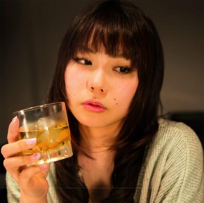 日本人の「幸福度」はなぜ低い? 何でも「どちらでもない」と答える国民性を指摘する声も