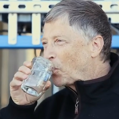 そこまでやるか、ビル・ゲイツ! 「排泄物」を飲み水に変える浄水装置を開発