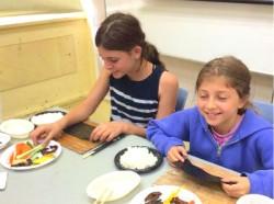 夏休みには日本文化を子どもたちに紹介