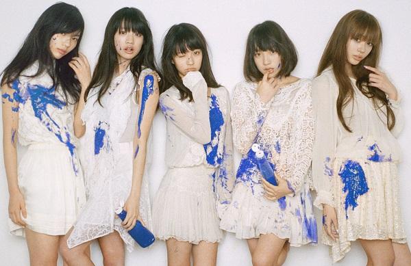 左から、小林玲、志田友美、荻野可鈴、京佳、山田朱莉