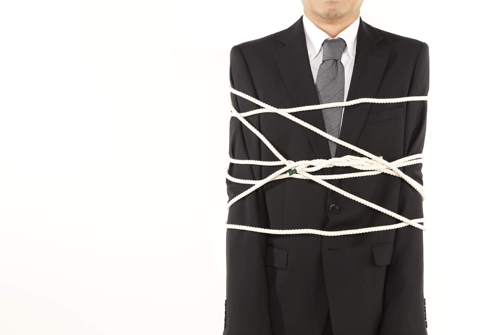 「辞めたいのに辞めさせてくれない」と悩む人々 会社に「ワナ」を仕掛けられていないか