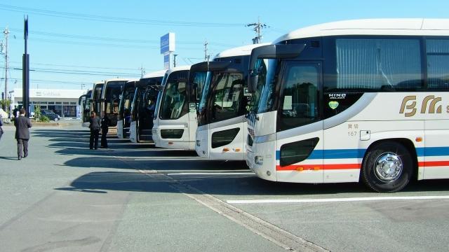 法的には13連勤まで問題なし! 高速バス運転手のブラック労働に「もっと何とかならないの?」