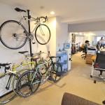社内には自転車が