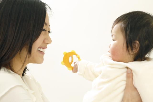 仕事と育児の両立には「夫の協力」より「職場環境」が大事 ワーママ1000人調査