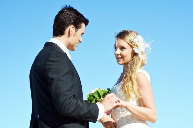 「結婚相手に高望み」20代後半独身女性の65% 男性は弱気「自分も欠陥だらけなので」