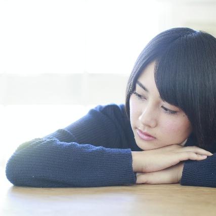 いくら寝ても眠い、甘いものについ手が伸びる それって「冬季うつ」かもしれない?