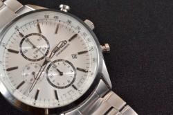 高級腕時計を買えと言われるが...