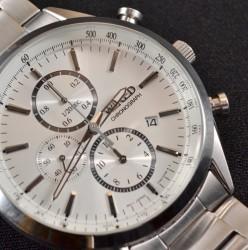 腕時計の値段でイビられる…