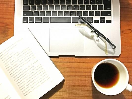 カフェやファミレスがお決まりの勉強場所、という人も多いのでは?