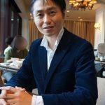佐藤士文さん(40)