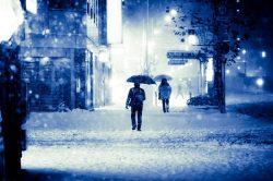 大雪でひどい混雑に見舞われた。