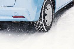 雪が降ったら防滑措置が必要!