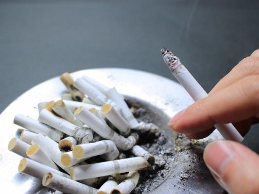 働く人の受動喫煙も深刻な問題です
