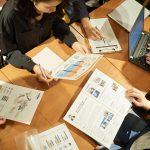 日本経済新聞にも批判が
