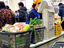 多くの人が、スーパーでのセルフレジ導入を歓迎しているようです