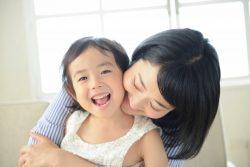 世帯年収800万円以上でも7割が「次の子ども厳しい」?