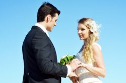 結婚はめでたいことですが、多くの人が後悔している様子