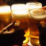 「会社の飲み会に後輩が来ない!」と文句を言うスレ主に非難相次