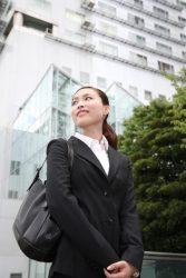 「就活ルール廃止」学生の賛否分かれる