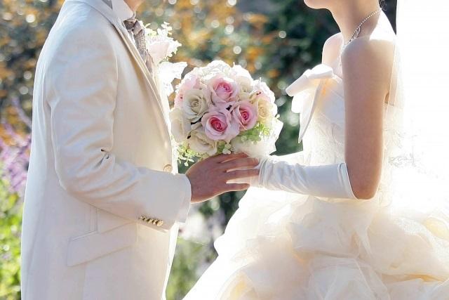 結婚式を挙げない理由「主役になるのが恥ずかしい」「注目を浴びたくない」 「資金不足」以外の高いハードル | キャリコネニュース