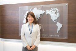 大学時代のカナダ留学が、就職活動にも大きく影響したと語る青木