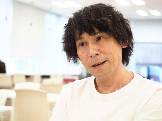 データドリブンなブランド活動の実現に向けて、デジタルトランスフォーメーションの第一人者を目指す鈴木智之。