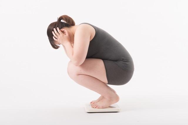 社会人の約半数が「5年前と比べて太った」
