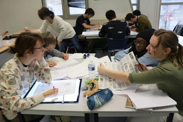 日本と同じように熱心にマンガを学ぶ学生たち。彼らから教わることも少なくない