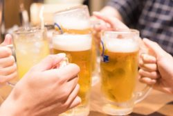 """""""若者のアルコール離れ""""容認も「飲みニケーションは必要」が6割"""
