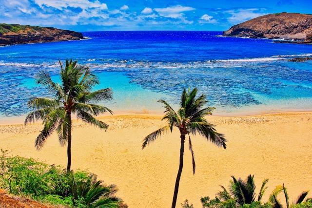 「結婚して海外に住むなら」1位はハワイ!
