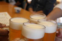若手女性の半数「職場の飲み会にやむを得ず参加している」
