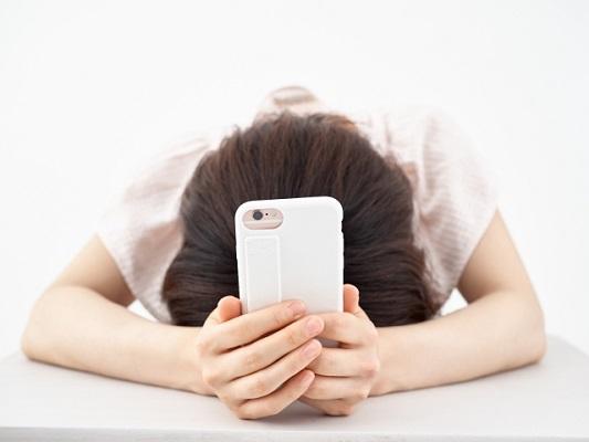 20代女性の65%が「SNS疲れ」を感じる