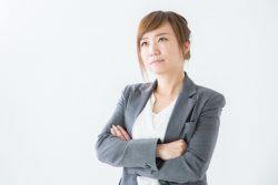 女性の3割が「就業中のメイク必須は不公平」と回答