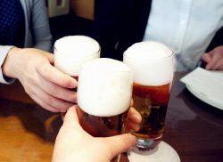 上司と飲むデメリット1位「飲みながら説教される」