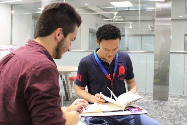 ▲人事部門でインターンシップを経験した田中さん。英語を使った仕事にも挑戦した