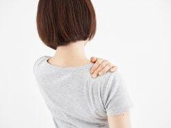 肩こりや腰痛は意識をしなければ治る?