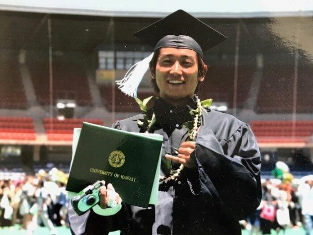 ▲熊本の高校を卒業後、ハワイの大学で学んだ