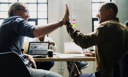 管理職同士のコミュニケーションが生むメリットとは