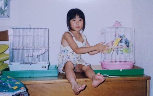 ▲小さい頃から動物が好きで、母におねだりして買ってもらったセキセイインコ