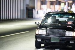 タクシー乗車時に運転手と会話する人は8割だという。