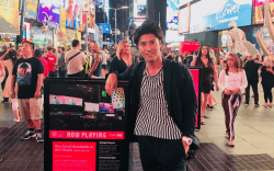 ▲ニューヨーク出張時の写真。若いうちからさまざまな経験を前倒しで獲得している