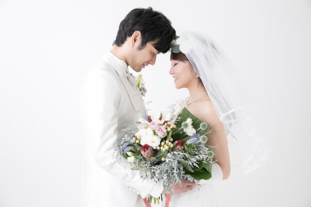 結婚できる世帯年収は?