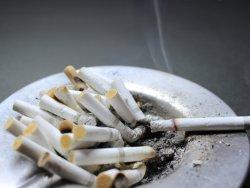 仕事をせずにタバコ休憩ばかりという中高年も