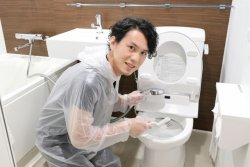 職場のトイレ掃除、誰がするの?