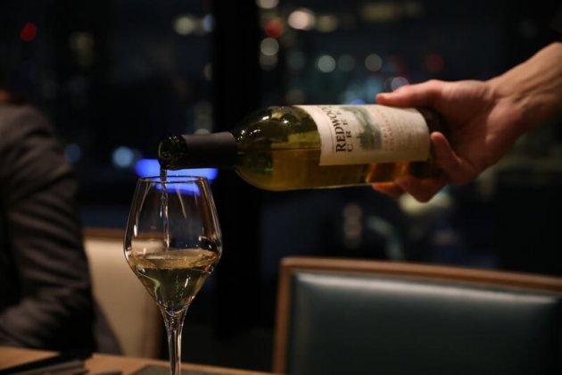 ▲感動創出企業として展開するレストランでの良質なサービスとは