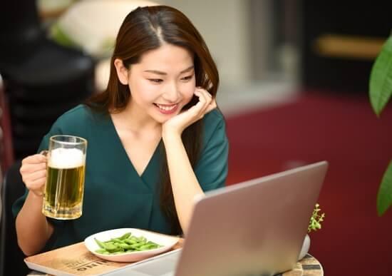 オンライン飲み会やりたい?