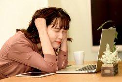 在宅勤務に疲れを感じている人も多いようだ
