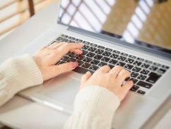 在宅勤務に本格移行する企業が増えている