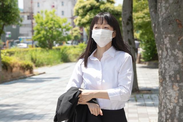 国産マスクはいまだ品薄