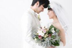 結婚相手に求める年収は…?